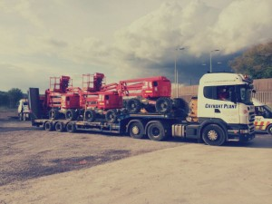 Crynant truck hauling large machinery in the Swansea & Neath area.